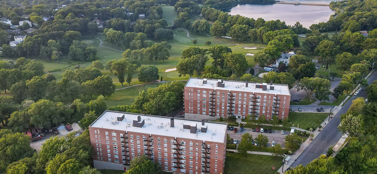 aerial view of Silver Lake Apartments